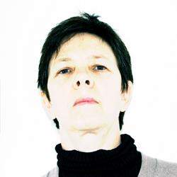 Lesley Manning headshot